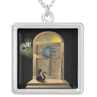 ドアのハロウィンのあなたのネックレス(正方形)の黒猫 シルバープレートネックレス