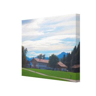 ドイツのババリア、ふもとの小丘の農場 キャンバスプリント