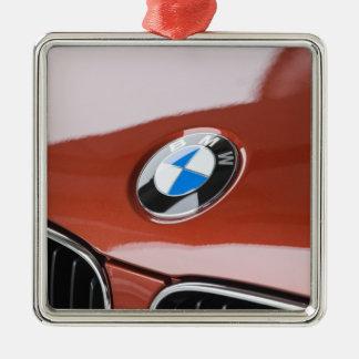ドイツのBayernババリア、ミュンヘン。 BMWのふち飾り車2 シルバーカラー正方形オーナメント