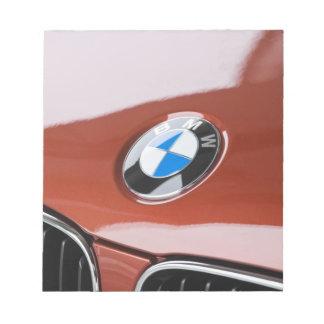 ドイツのBayernババリア、ミュンヘン。 BMWのふち飾り車2 ノートパッド