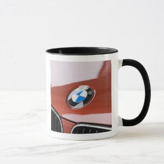 ドイツのBayernババリア、ミュンヘン。 BMWのふち飾り車2 マグカップ