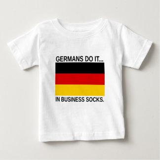 ドイツ人はしますそれを… ビジネスソックス ベビーTシャツ
