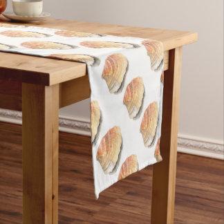 ドクムギの海の貝、黄色およびオレンジを浜に引き上げて下さい ショートテーブルランナー
