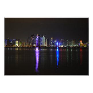 ドハ、夜のカタールのスカイライン フォトプリント