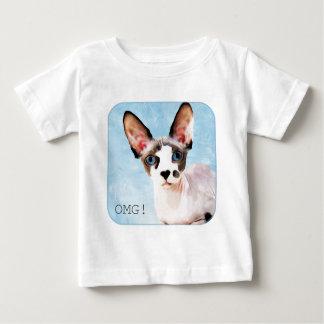 """ドビーは""""OMGを言います! """" ベビーTシャツ"""