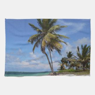 ドミニカ共和国のビーチ キッチンタオル
