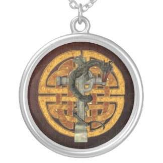 ドラゴンの十字 シルバープレートネックレス