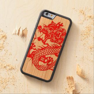 """""""ドラゴンの電話箱の年"""" CarvedチェリーiPhone 6バンパーケース"""