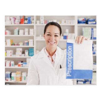 ドラッグストアの規定を保持している薬剤師 ポストカード