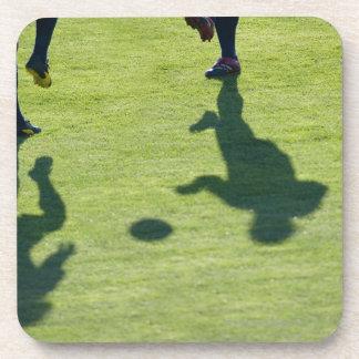 ドリルをしているサッカーの選手 コースター