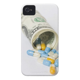 ドルのノートおよびカプセルのロール Case-Mate iPhone 4 ケース