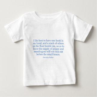 ドロシーParkerのケシおよびMandragora ベビーTシャツ