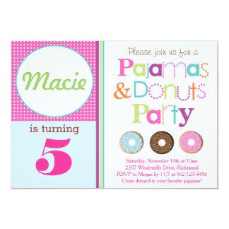 ドーナツ及びパジャマのパーティの招待状 (Pink) カード