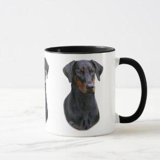 ドーベルマン犬のピンシャーの自然な耳付つきのマグ マグカップ