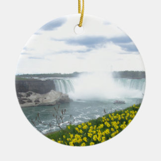 ナイアガラ・フォールズのカナダ人の側面 セラミックオーナメント