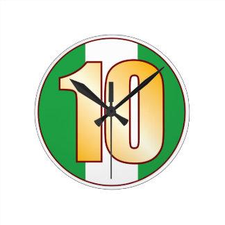 ナイジェリアの10金ゴールド ラウンド壁時計