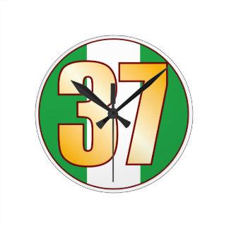 ナイジェリアの37金ゴールド ラウンド壁時計