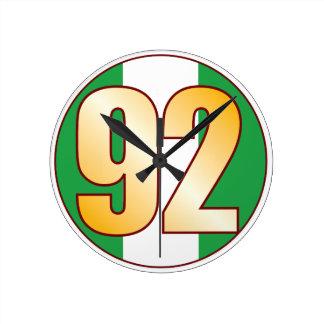 ナイジェリアの92金ゴールド ラウンド壁時計