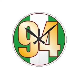 ナイジェリアの94金ゴールド ラウンド壁時計