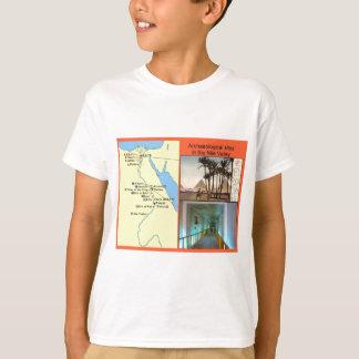 ナイルの谷の考古学的な場所 Tシャツ