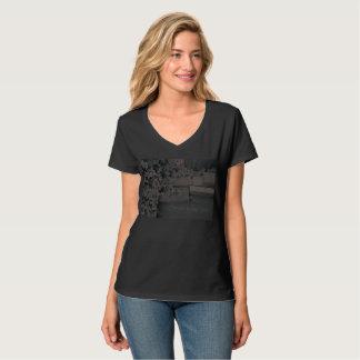 ナチュラルな背景とSimple is the best なライフを Tシャツ