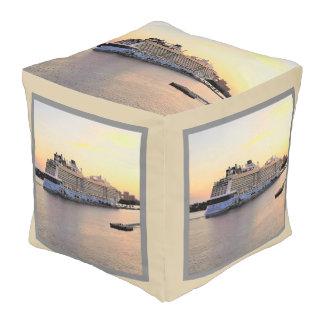 ナッサウ港の夜明けおよび遊航船 プーフ