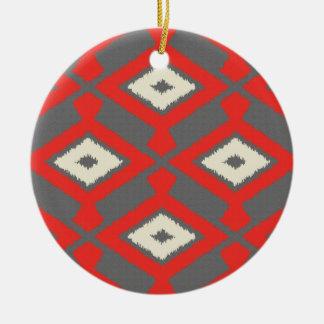ナバホー人のイカットパターン-赤、灰色およびベージュ色 セラミックオーナメント
