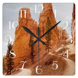ナバホー人のループ道、ブライス渓谷 スクエア壁時計