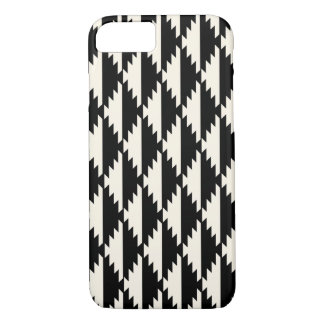 ナバホー人の白黒幾何学的なダイヤモンドパターン iPhone 8/7ケース