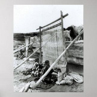 ナバホー人の織工、c.1914 ポスター