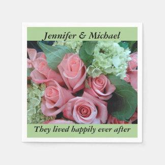 ナプキンの結婚披露宴はピンクのバラを個人化します スタンダードカクテルナプキン