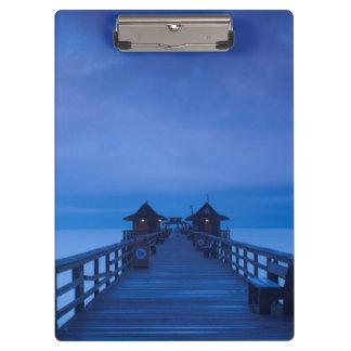 ナポリ桟橋、夜明け クリップボード