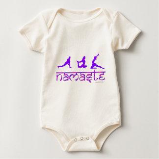 ナマステのヨガは紫色を提起します ベビーボディスーツ