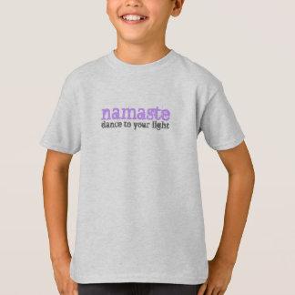 ナマステ-あなたのライトへのダンス Tシャツ