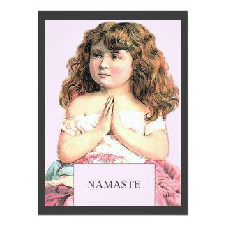 ナマステ-小さな女の子のヴィンテージのイラストレーション カード
