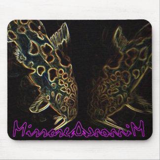 ナマズの鏡像のmousepad マウスパッド