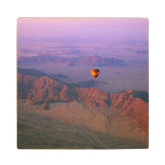 ナミブ砂漠、ナミビア上の熱気の気球 ウッドコースター