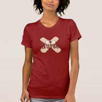 ナースの包帯の漫画のTシャツ Tシャツ