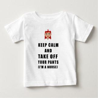 ナースは、あなたのズボンを脱ぎます ベビーTシャツ
