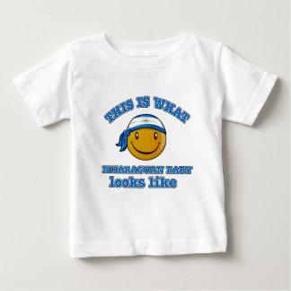 ニカラグアのベビーのデザイン ベビーTシャツ