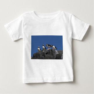 ニシツノメドリ ベビーTシャツ
