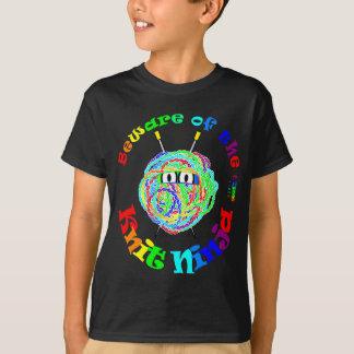 ニットの忍者の用心して下さい Tシャツ