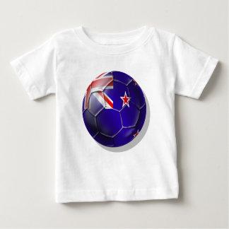 ニュージーランドすべての白のキーウィの旗の球 ベビーTシャツ