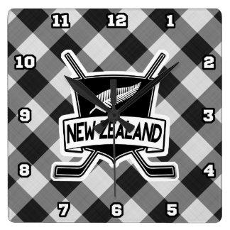 ニュージーランドのアイスホッケーの旗の正方形の時計 スクエア壁時計
