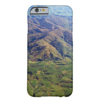 ニュージーランドのサウスランドの地域のローリング・ヒルズ BARELY THERE iPhone 6 ケース