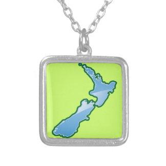 ニュージーランドの地図 シルバープレートネックレス