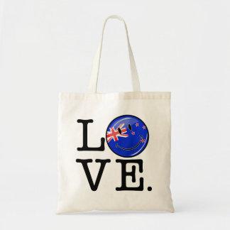 ニュージーランドの微笑の旗からの愛 トートバッグ