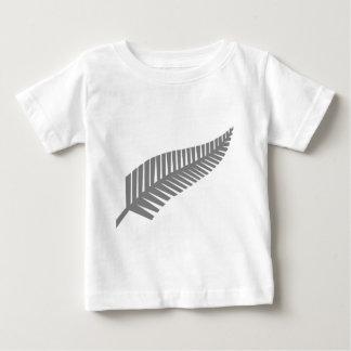 ニュージーランドの銀製シダ ベビーTシャツ
