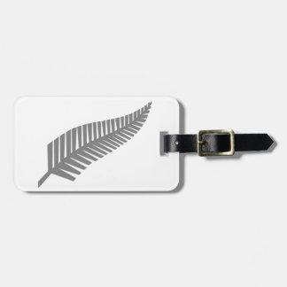 ニュージーランドの銀製シダ ラゲッジタグ