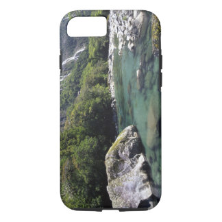 ニュージーランドのMilfordの道によるCleddauの川、の近くで iPhone 8/7ケース